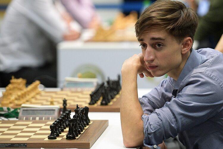 Чемпион мира по шахматам Даниил Дубов