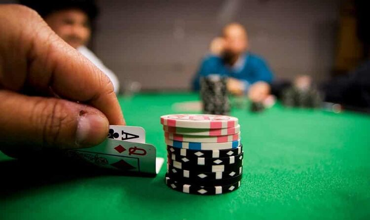 Small stack poker