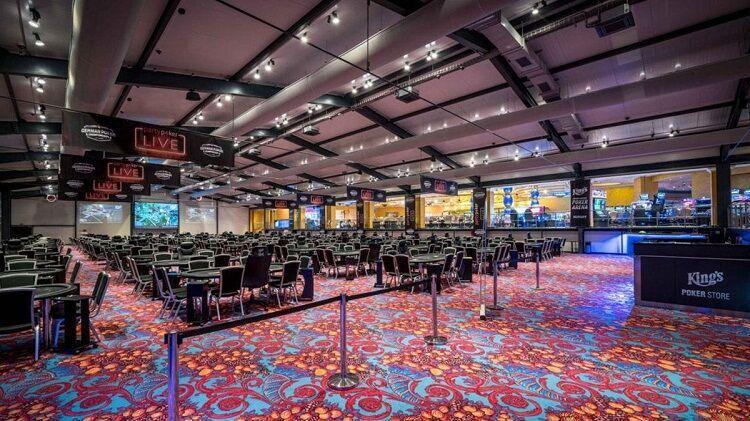 Quarentena total no pôquer ao vivo