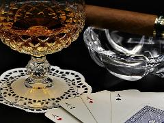 Играл на квартире в покер