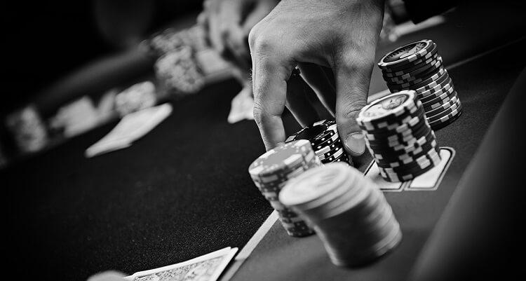 Отложенный контбет в покере
