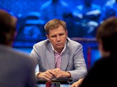 Россиянин лидирует в финале PLO-турнира WSOPE 2018
