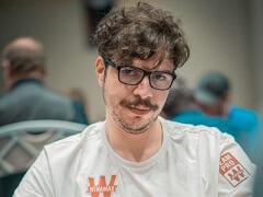 Мустафа Канит лидирует в турнире хайроллеров