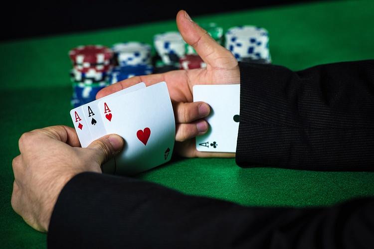 Жульничество в покере