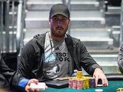 Американский футболист сыграл за финальным столом престижного покерного турнира