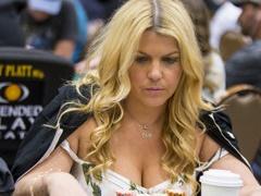 Жена Криса Мурмана выиграла в покерном турнире 50 000$