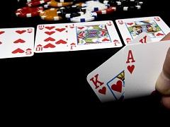 В каких случаях следует показывать свою руку в покере