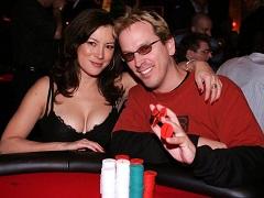 Фил Лаак и Дженнифер Тилли: как познакомилась покерная пара