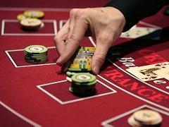 Каким должно быть идеальное анте в покерном турнире?