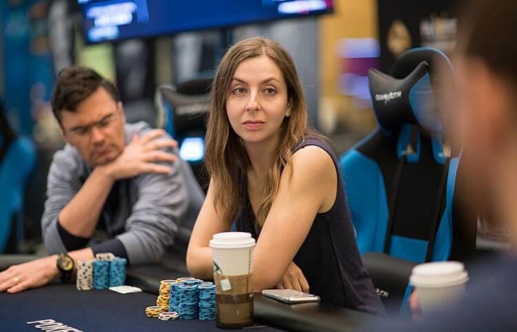 Мария Конниковой в покере