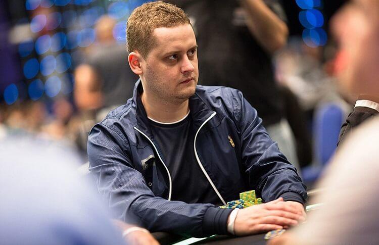 Украинец Алексей Хорошенин – чип-лидер финального стола 25 000€ High Roller
