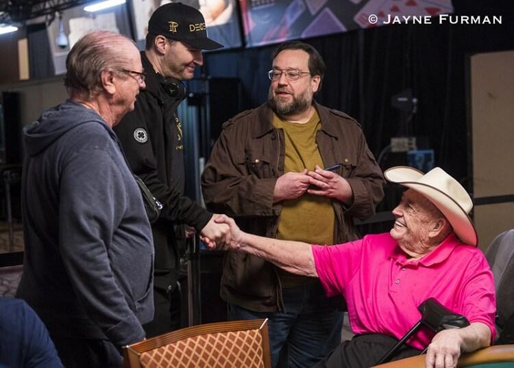 Покеристы поблагодарили Дойла Брансона за хорошую игру
