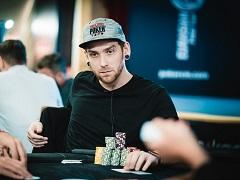 Анатолий Зырин – один из чиплидеров EAPT Minsk Main Event