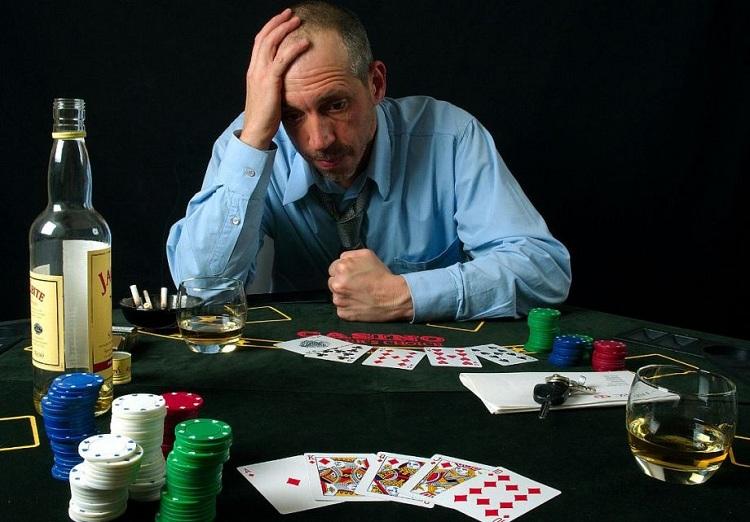 Покерист-суицидник