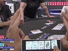 """Как прошла первая интерактивная игра """"Chat Plays Poker"""""""