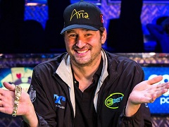 Phil Hellmuth lost a bet to professional tennis player