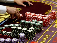 Dealer was sentenced to imprisonment for cheating the casino