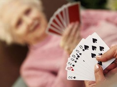 60-year old lady made $11K playing poker