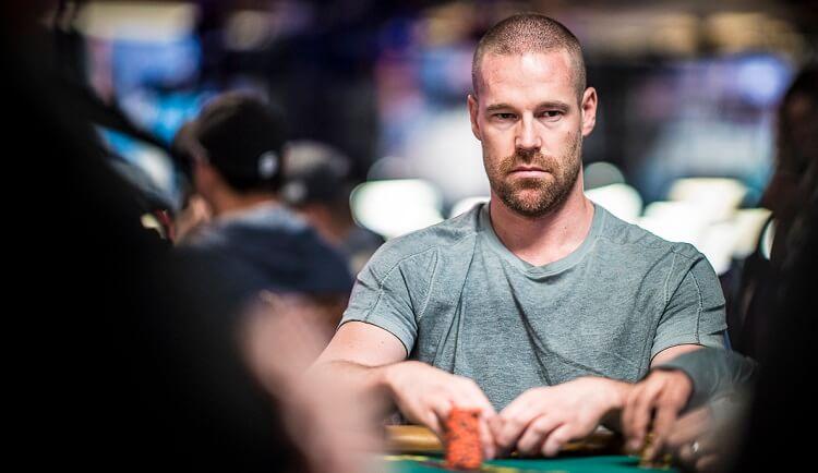 Meminimalisir Kekalahan Poker Online