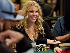 Жена Криса Мурмана лидирует в WSOP Ladies Championship
