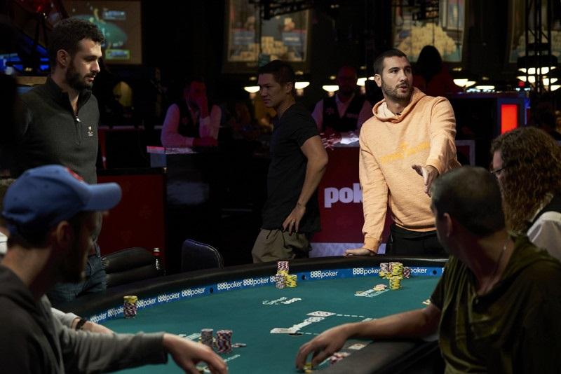 Скандальная раздача на WSOP Саммартино