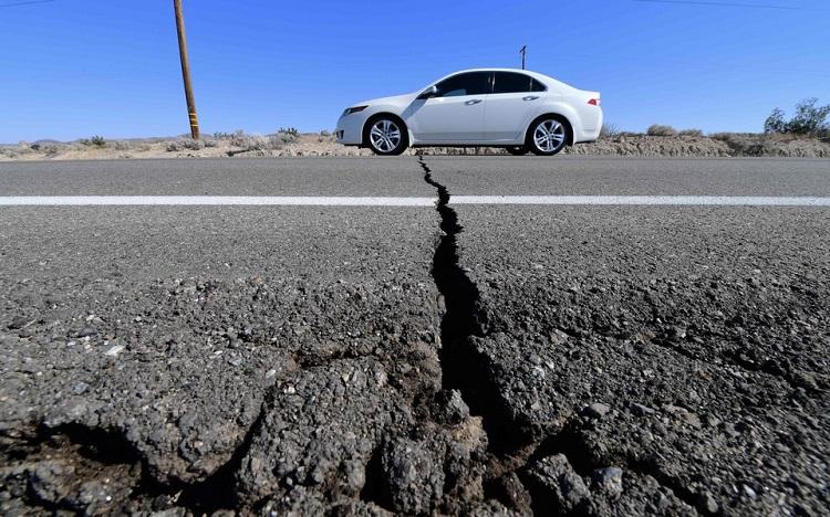Землетрясение на дороге