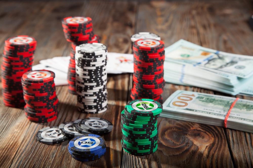 Реально ли зарабатывать покером