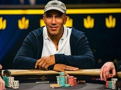 Билл Перкинс лидирует в самом дорогом турнире в истории покера
