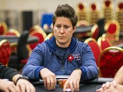 Ванесса Селбст вернулась за покерные столы после долгого перерыва