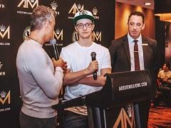 Кале Бернс и Линн Гилмартин вступили в австралийский Зал славы покера