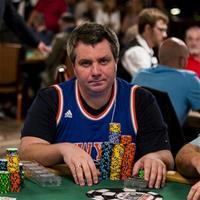 Андрей Заиченко лидирует в Главном Событии WSOP