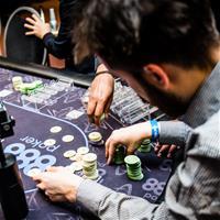 888poker дебютировал с новым форматом съемки покерного турнира