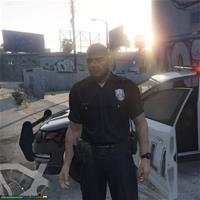 Офицер полиции угрожал перестрелять игроков в покерной игре