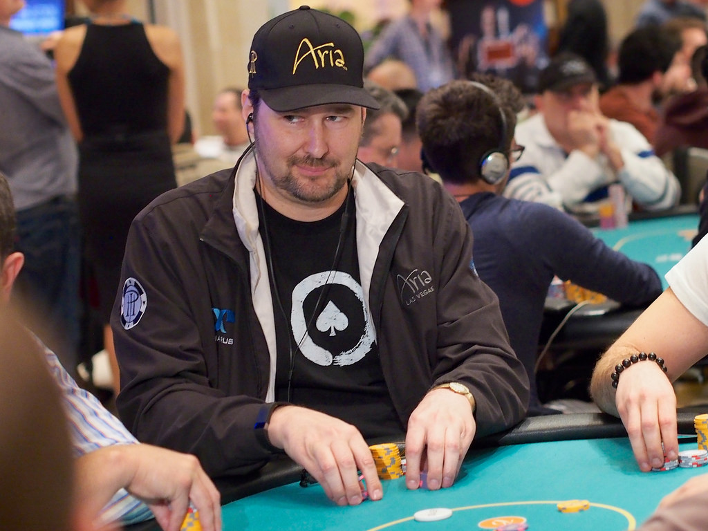 Фил Хельмут: «Разговоры - это оружие, которое используют великие покеристы»