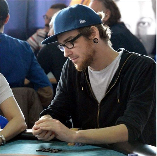 анатолий зырин покер
