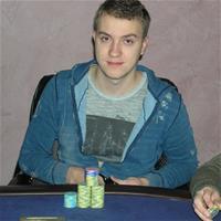 Роман Романовский оформил очередную пятизначную победу