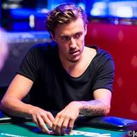 Лучший покерист среди профессиональных футболистов