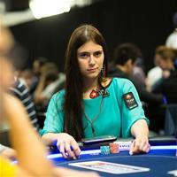 Как Лия Новикова пользуется своим статусом за игровым столом?