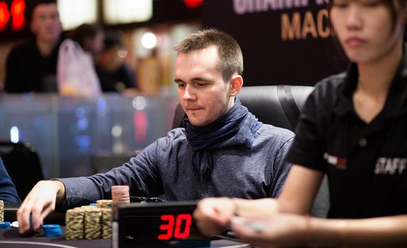 Никита Бодяковский раннер-ап турнира хайроллеров за 206 000HK$
