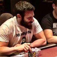 Айзек Хэкстон: «Билзерян заработал много денег, притворяясь покерным игроком»