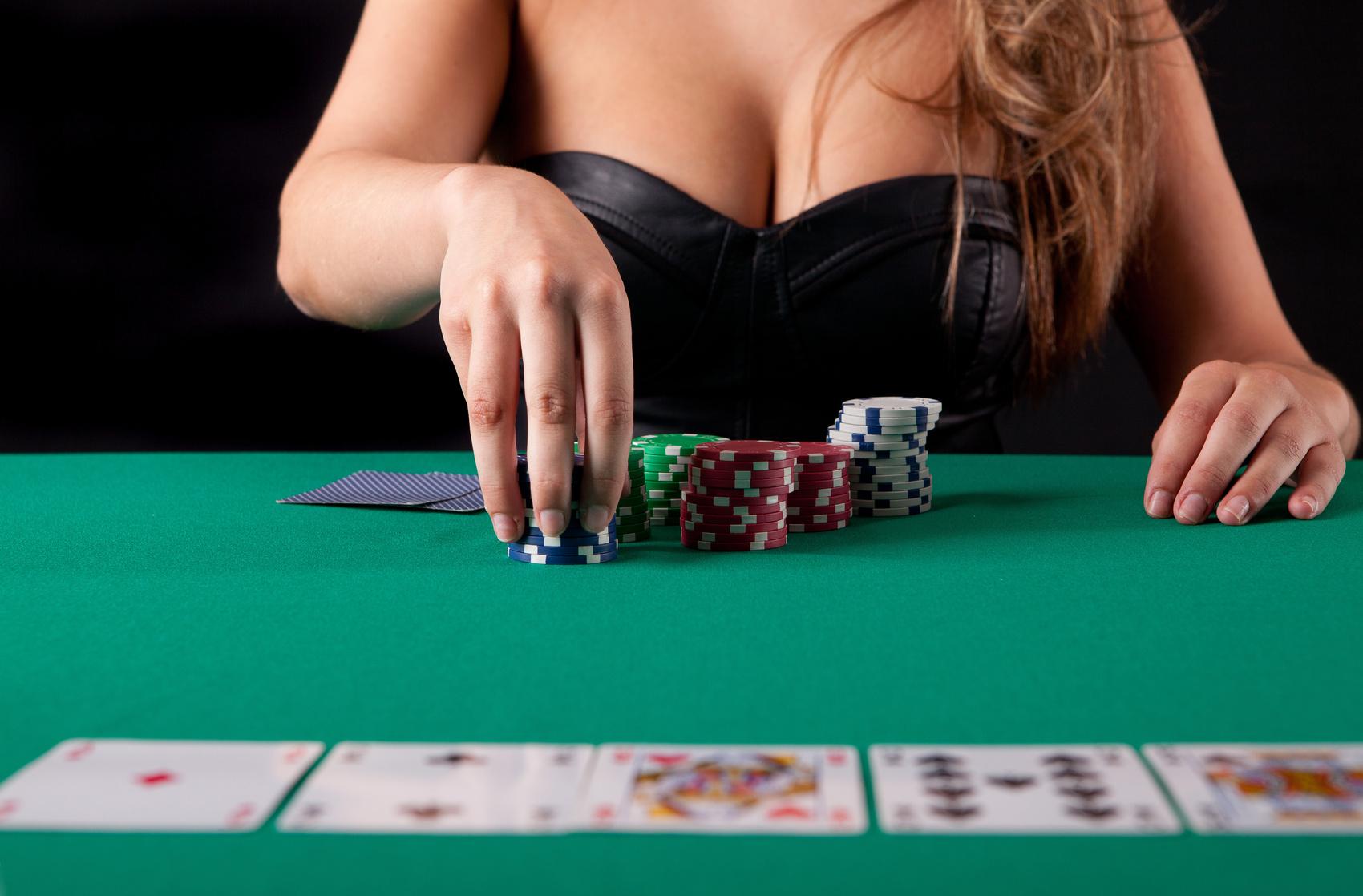 покер девушки фото