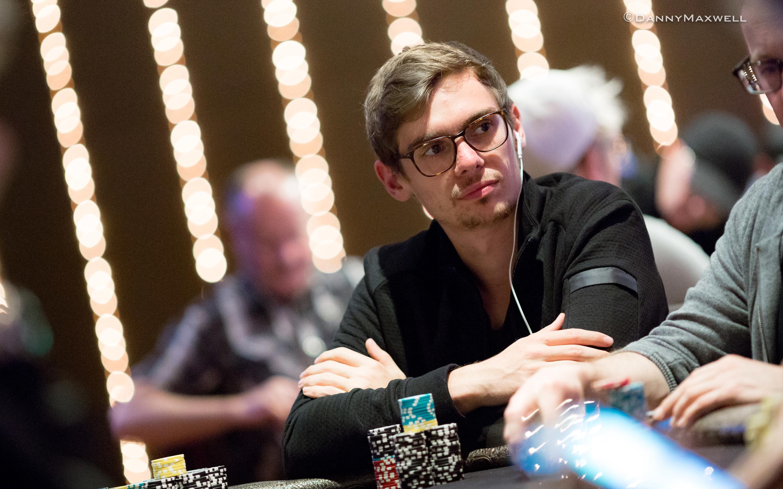 Фёдор Хольц: «Конечно, в покере надо хорошо уметь играть в карты, но это далеко не всё»