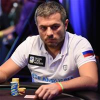 PCA Main Event: Владимир Трояновский продолжает бороться