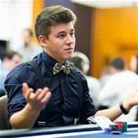 Анатолий Филатов – самый стильный покерист?