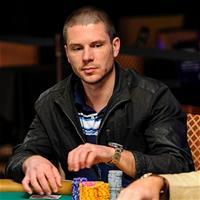Алексей Макаров лидирует в 1 500$ Seven Card Razz