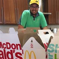 Покерист не смог съесть еду из McDonalds на сумму 1 000$ за 36 часов