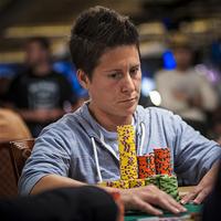 Ванесса Селбст – один из лидеров $10,000 6-Handed No-Limit Hold'em Championship
