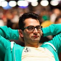 Антонио Эсфандиари сходил в туалет прямо за игровым столом