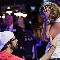 7 забавных фактов о девушках покеристов
